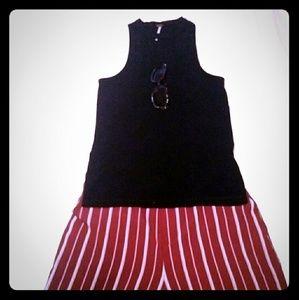 Sleeveless Black Ribbed Keyhole Top